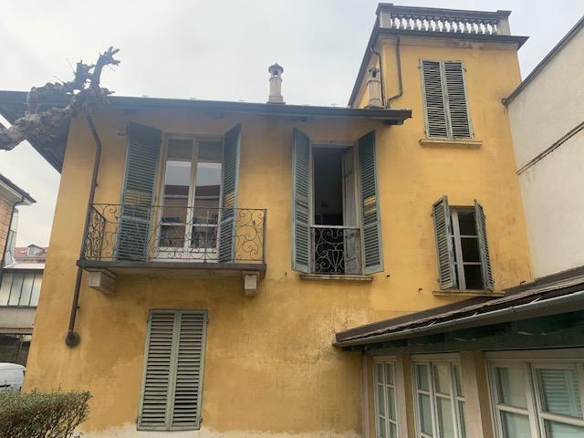 Villa con giardino, Via Alpignano 15, Torino